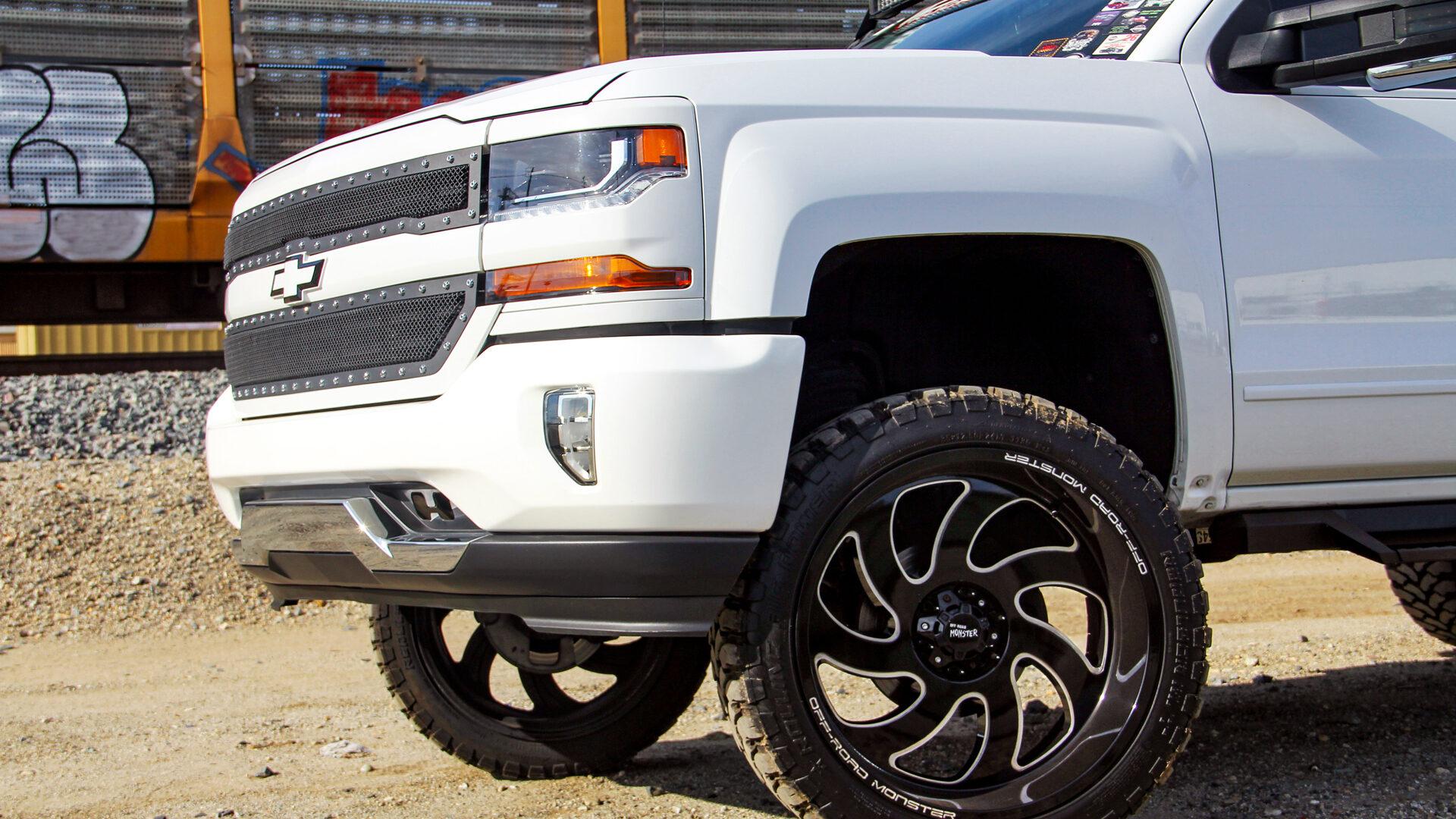 M07 Off-Road Monster Wheels 24x12   Chevrolet Silverado