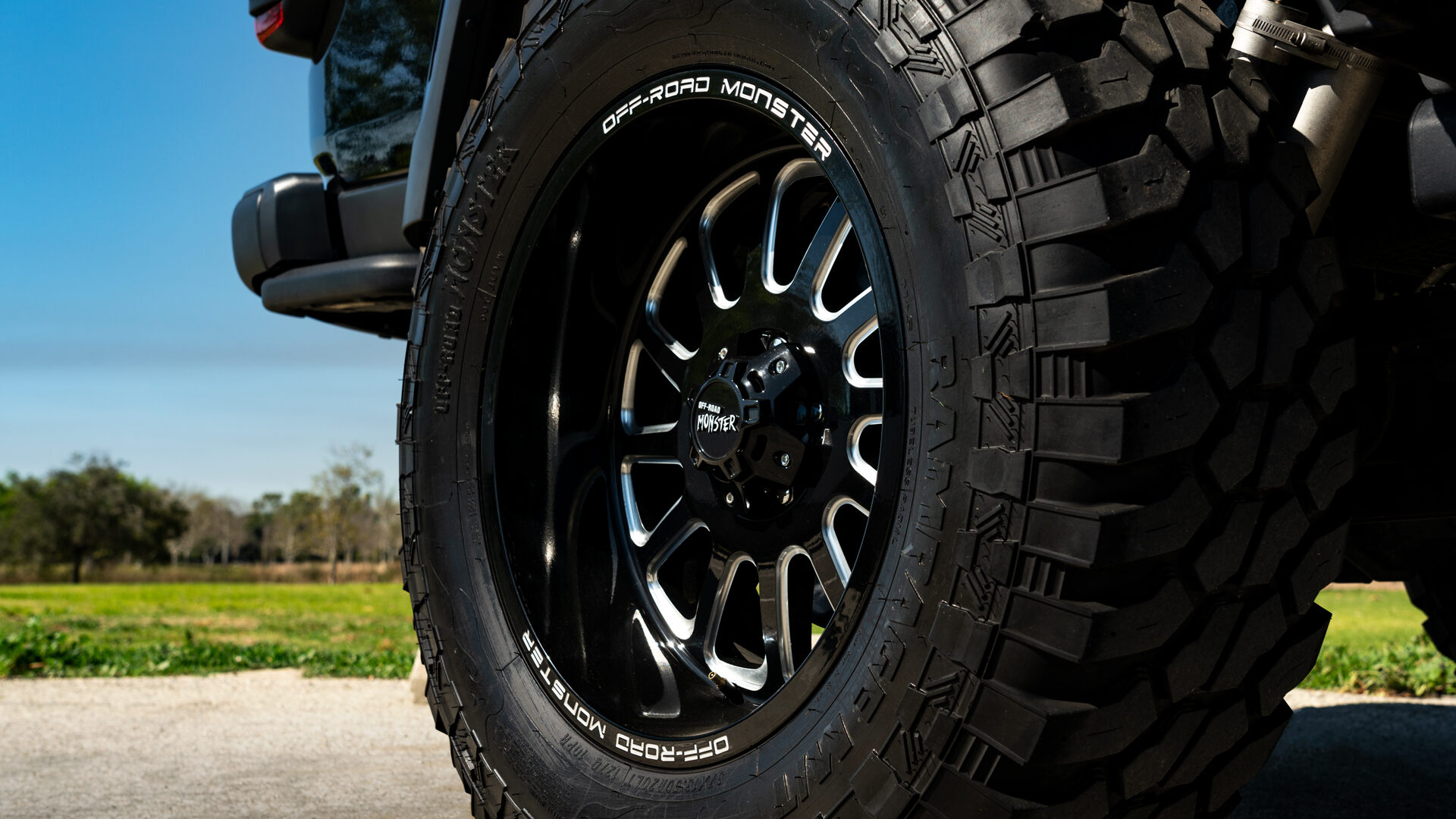M17 Off-Road Monster Wheels 20x10 | Jeep Gladiator