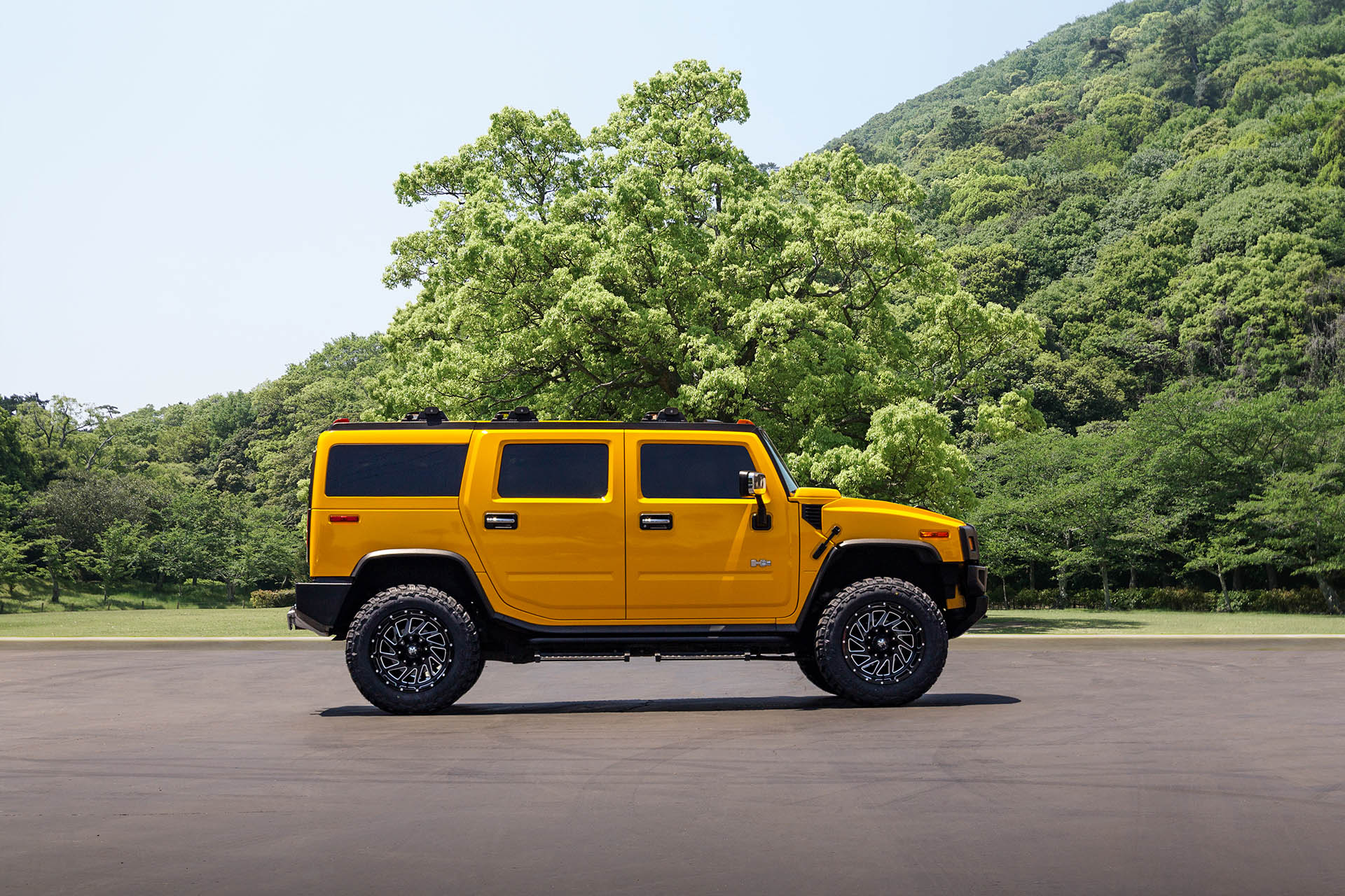 M12 OffRoad Monster Wheels on a Hummer H2